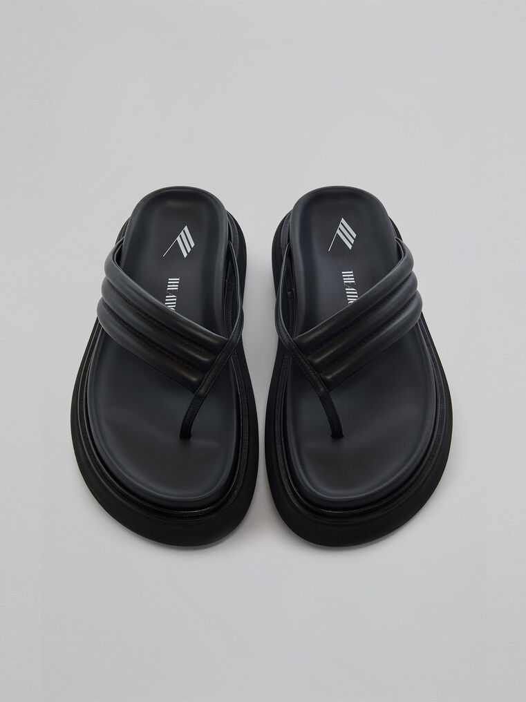 "THE ATTICO Black ""Alton"" flat thong 2"